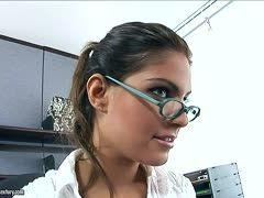 Nerdy Brille Große Titten gefickt